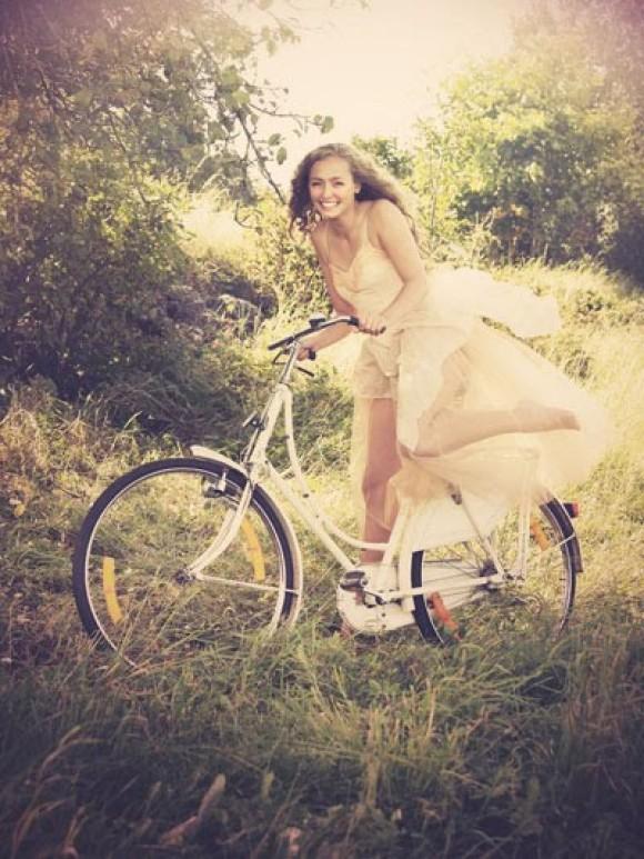 krasivie-devushki-na-velosipede-foto